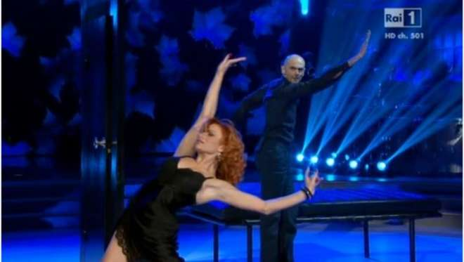 """Ballando con le Stelle, l'abbandono di Enzo Miccio: """"Una frattura mi impedisce di danzare"""""""